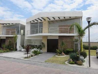 Casa En Condominio Lucerna Ubicado En Metepec