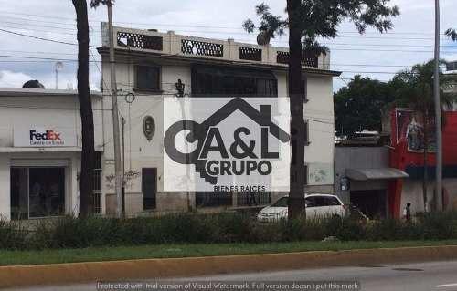 Oficinas Ubicadas En 2o Y 3er Nivel Av. Lazaro Cardenas