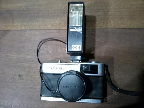 Câmera Olympus Trip 35 + Flash Hitacon 230