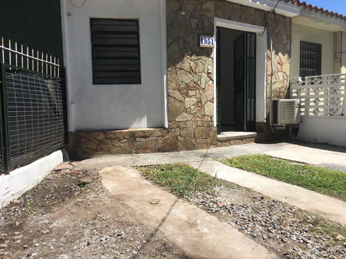 Casa 1 Dormitorio Y Cochera