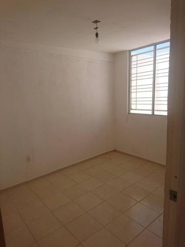 Casa En Renta Avenida La Esmeralda, Centro