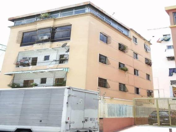 Apartamento En Alquiler Las Acacias