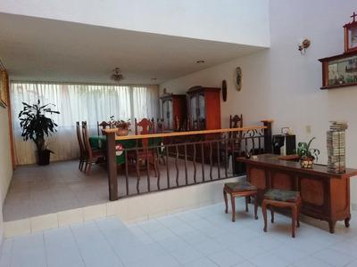 Casa En Renta Semiamueblada En Lomas De La Hacienda.