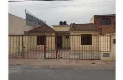 Casa En Renta De Una Planta En República Pte.