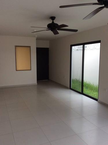 Casa En Renta Luis Gil Pérez - Villahermosa, Buena Vista Rio Nuevo 1ra Sección