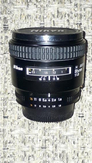 Nikon 85mm F/1.8 (japonesa)