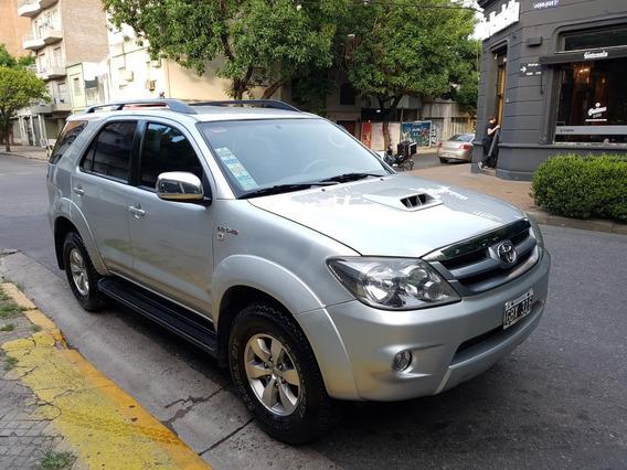 Toyota Hilux Sw4 Automatica Con Cuero, Impecable