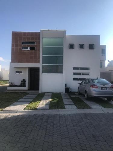 Rento Casa En Fracc. Valle Del Sol Cerca De Zona Plateada