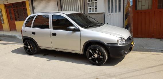 Chevrolet Corsa Wind Motor 1.4, 2003 Gris Plata 5 Puertas