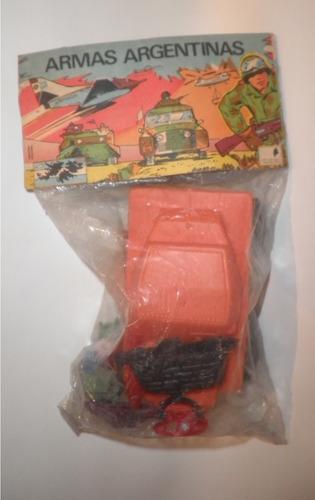 Antiguos Juguetes Soldaditos Carro De Asalto Malvinas 1982