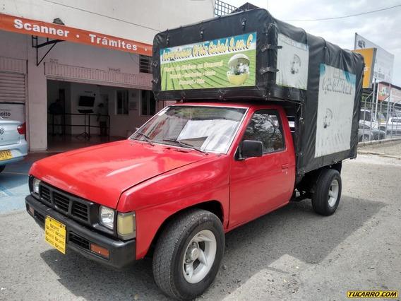 Nissan D-21 4x2 Mt 2400cc Est