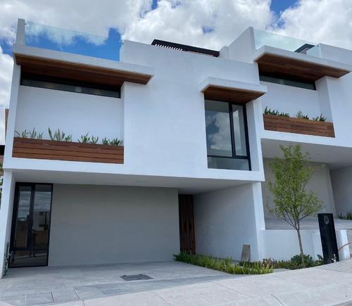 Zibatá, Amplia Casa Con Acabados De Lujo