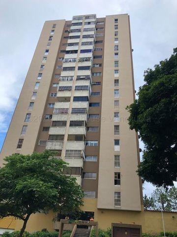 Apartamento En Venta En Prados Del Este Mls# 21-3558