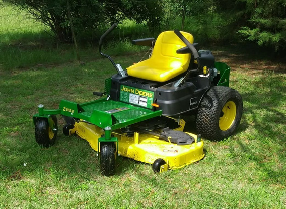 Cortacesped/tractor John Deere Giro Cero Z355e