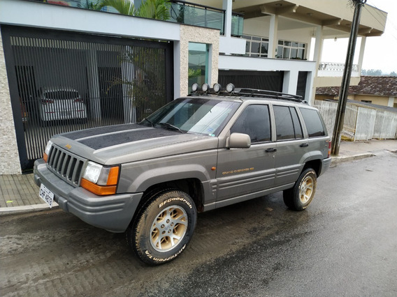Cherokee Grand Limited 5,7 V8