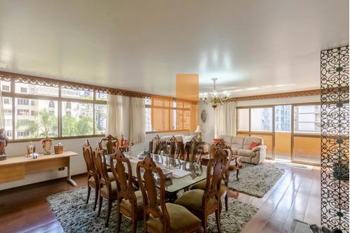 Apartamento Padrão Com 4 Dormitórios Sendo 2 Suites E 4 Vagas. - Bi4868