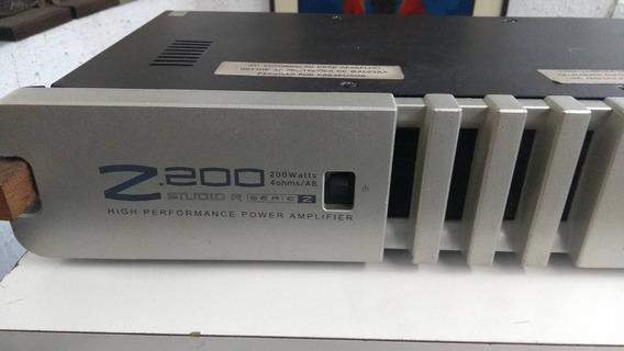 Studio R Z200