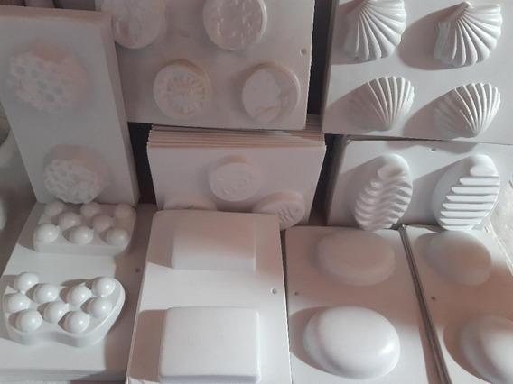 Moldes Plásticos Para Jabón Y Velas X 3 Unidades.
