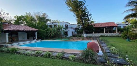 Casa En Venta Estilo Hacienda-en Campo De Golf En Mérida
