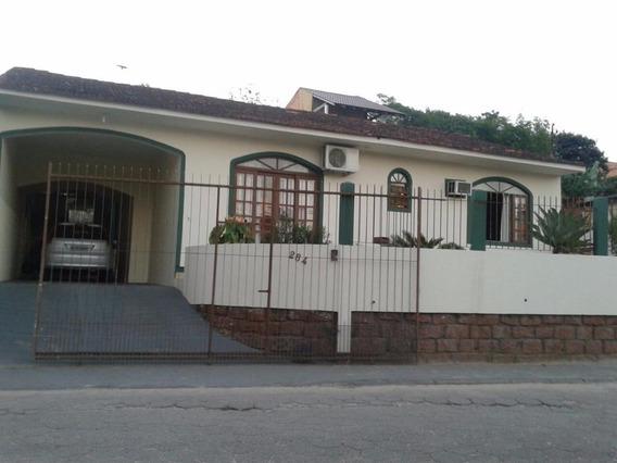 Casa De 3 Quartos - Ca0801