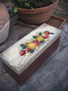 Caja De Madera , Caja De Te, Pintada A Mano, Vintage, Frutas