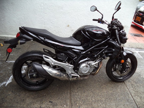 Suzuki Gladius 650 Negra 2012