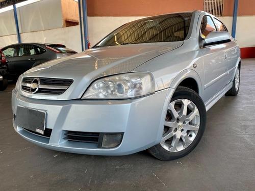 Imagem 1 de 9 de Chevrolet Astra Hatch Advantage 2.0 Automatico