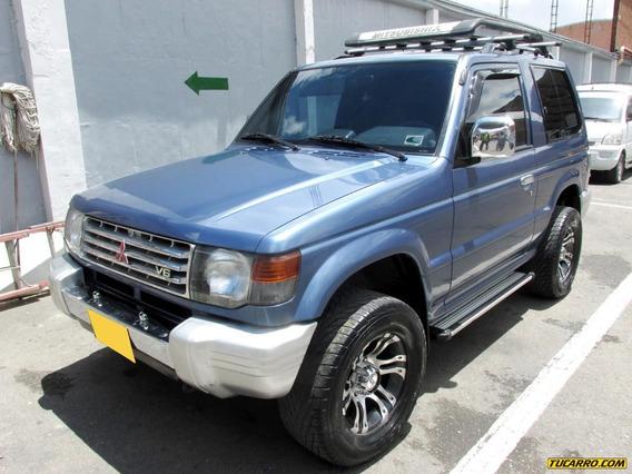 Mitsubishi Montero V13