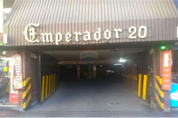 Cochera Céntrica Edificio Emperador