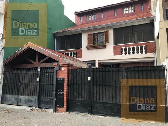 Villa Lugano - Duplex 5 Dorm Cochera