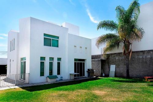 Casa En Venta - Juriquilla - C1376
