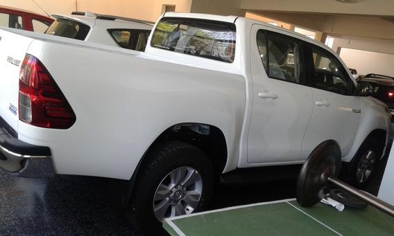 Toyota Hilux D/c Sr 4x2 Diesel Año 2018 0km