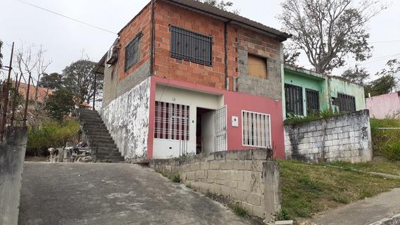 Casa Económica En El Valle