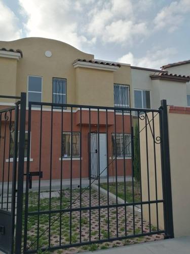 Casa En Renta Calle Gitanares, Santa María Ajoloapan