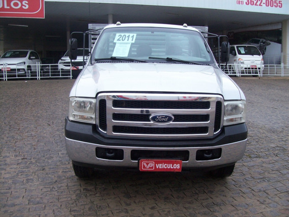 Ford F4000 G 2011.