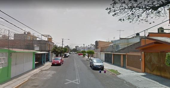 Casa De Remate Bancario En La Colonia San Juan De Aragon