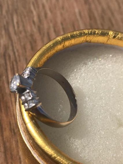 Anel Cravado De Diamantes Avaliado Em R$3700,00