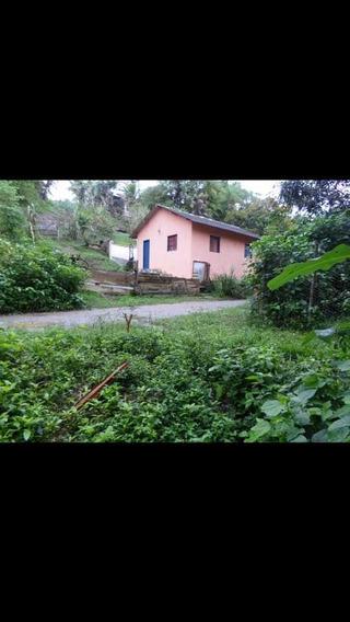 Tem 3 Quartos 2 Banheiros,cozinha,sala Area De Servisso