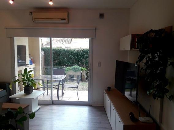 Casa De 2 Ambientes Con Jardín En Barrio Alto Del Molino
