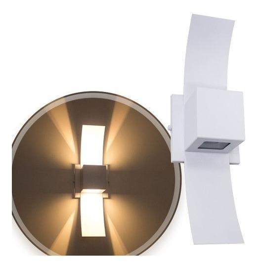 Arandela De Parede Com Dois Fachos De Luz Interna Ideal