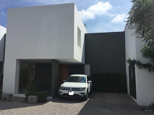 Jm/ Hermosa Casa Amueblada En Juriquilla Santa Fe