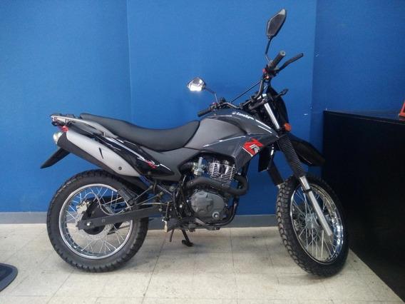 Moto Zanella 150 Color Negra
