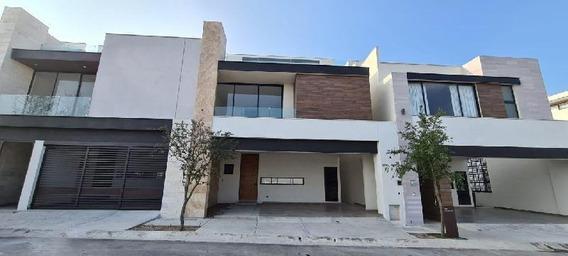 Casa Sola En Venta En Península, García, Nuevo León