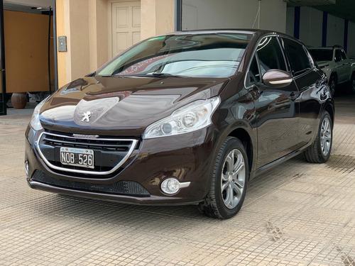 Peugeot 208 1.6 Feline 2014