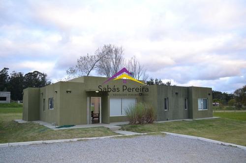 Venta De Casa De 3 Dormitorios En Punta Ballena- Ref: 40898