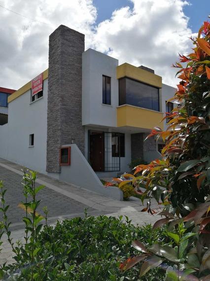 Casa En Pusuqui De 146 M2 3 Habitaciones,3 Baños, 2 Parqueos