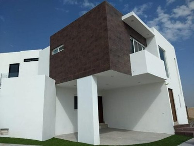 Casa En Venta En Campo Azul, San Luis Potosi