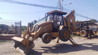 Retroexcavador Caterpilar 416c 4x4