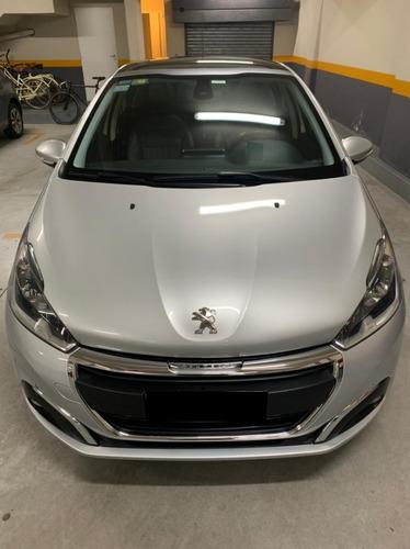 Peugeot 208 Feline 1.6 Sedan 5 Puertas