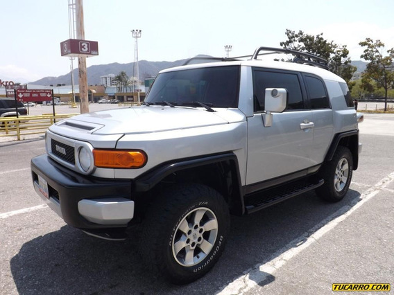 Toyota Fj Cruiser .